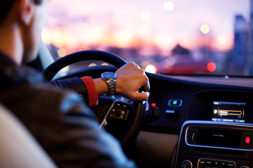 車を運転しているとき