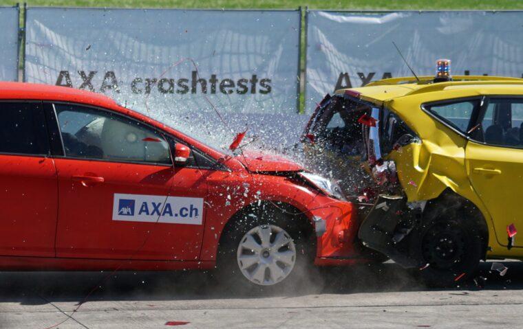 交通事故の原因は車間距離が短いことである!
