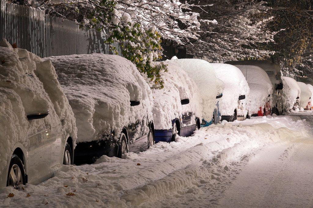 雪の日の立ち往生に注意