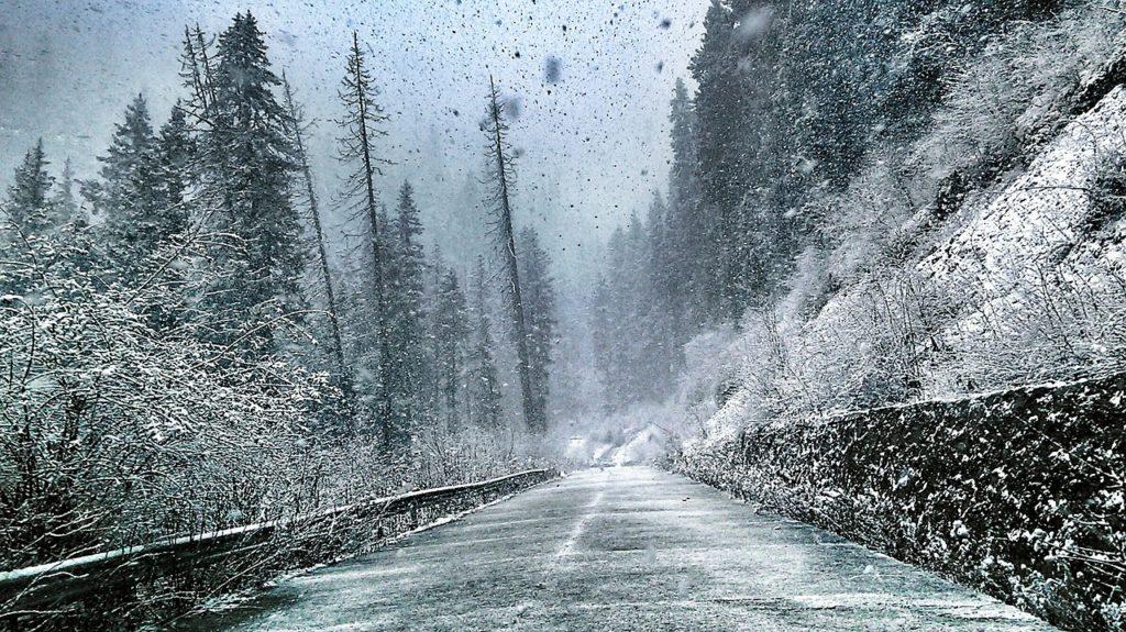雪の日の安全運転を教官から学ぼう【防災知識有り】