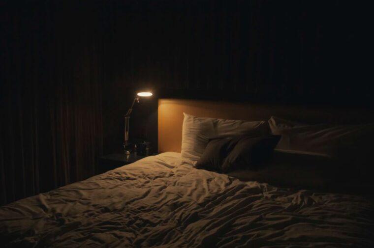 【睡眠で疲れが取れない人必見】睡眠の質を高める方法