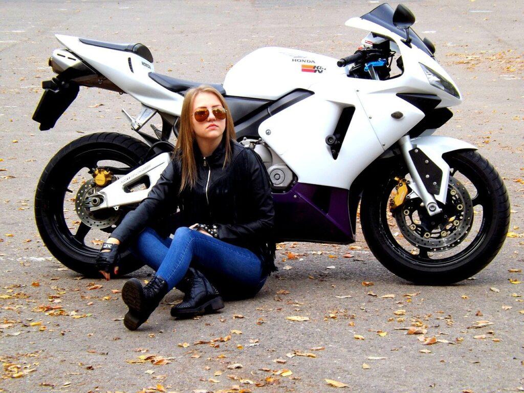 女性でもバイク免許は「いきなり大型」がおすすめ!