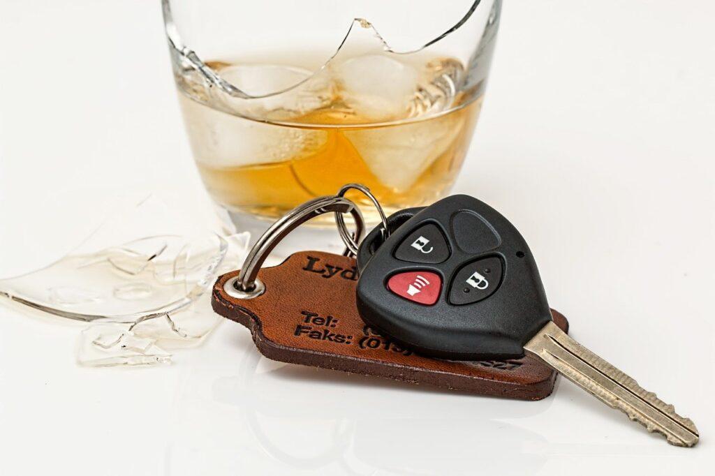 飲酒運転の罰則は2パターン【酒気帯びと酒酔い】